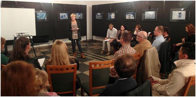 Urszula Cieśla opowiada o Burowcu i swoim zaangażowaniu na rzecz zmian w dzielnicy - fot. George Sujashvili.