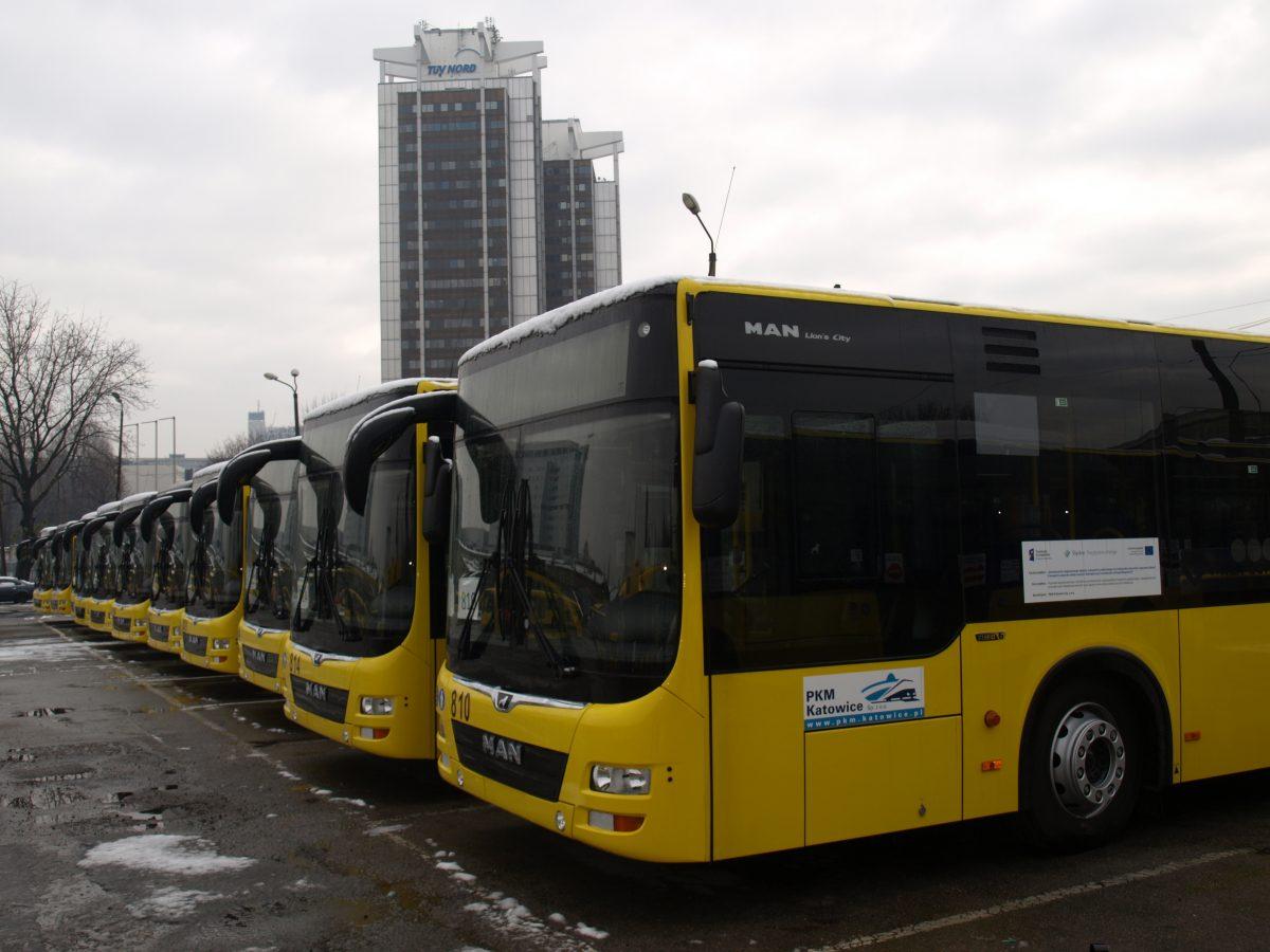 d7776b450e1a0b Ujednolicą kolory komunikacji miejskiej – żółty, fuksja, czerwony i  żółto-zielony.